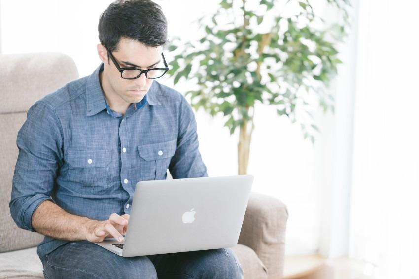 webライターは誰でもなれる!好きな事を書いて副業として稼ごう!